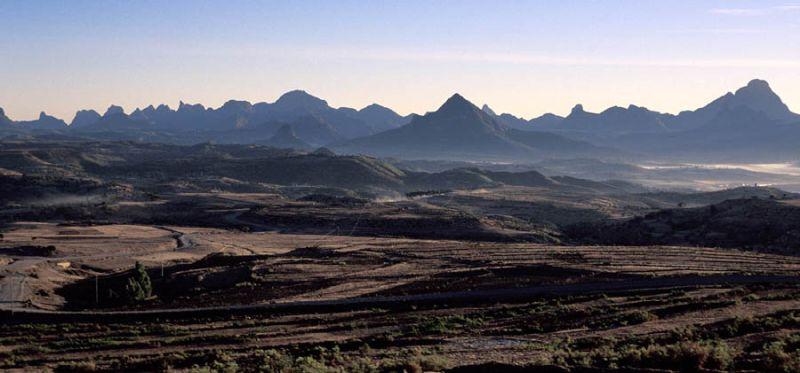 Вид на господствующую высоту Кидан Мерет