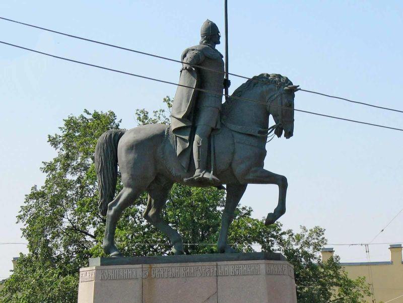 Памятник Александру Невскому в СПб